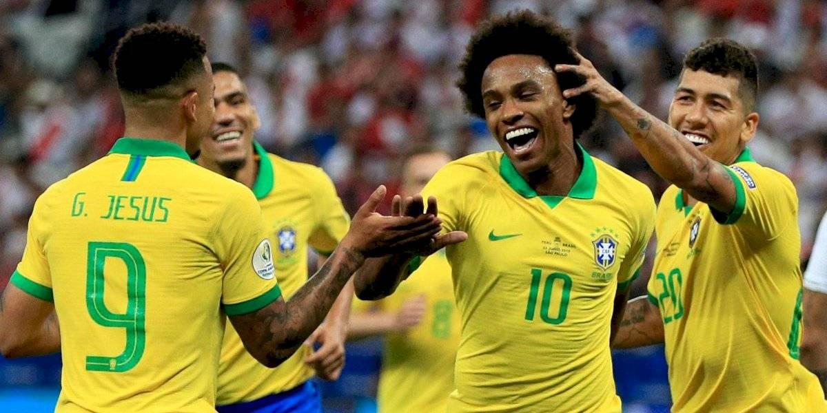 Con 'ayuda' de Gallese, Brasil arrasa con Perú