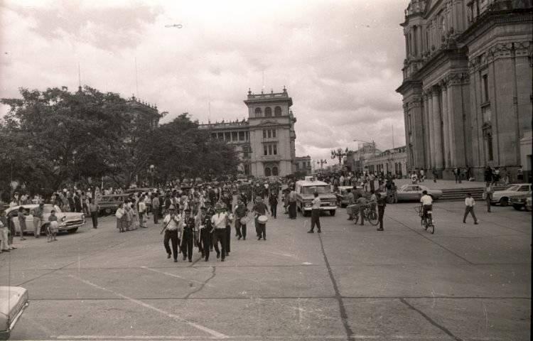Desfile de los Bomberos Voluntarios. Foto: Primera Compañía Bomberos Voluntarios