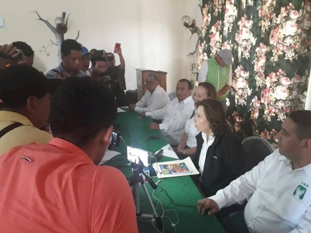 Sandra Torres se reúne con alcaldes electos de Alta Verapaz. Foto: Sandra Torres