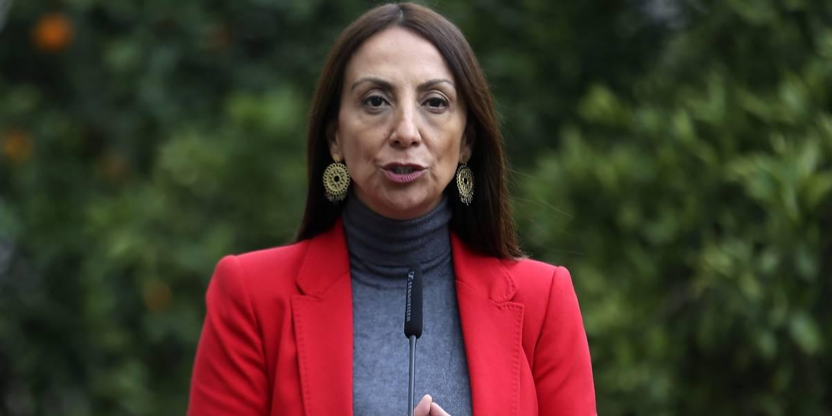 Ministra Pérez condena funa a ministra Cubillos en Cementerio General
