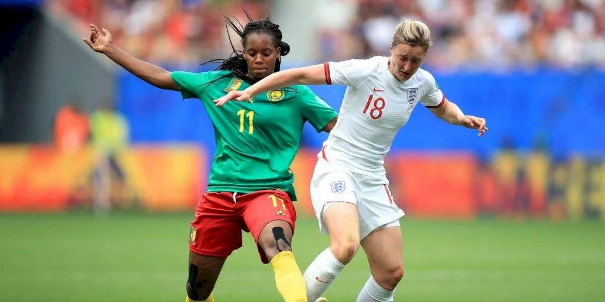Inglaterra elimina a Camerún en atípico y polémico partido del Mundial Femenil