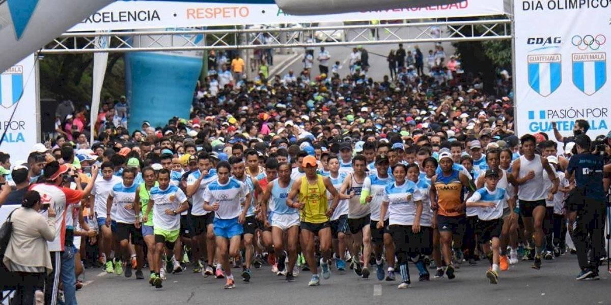 Guatemaltecos abarrotan las calles de zona 5 para la carrera del Día Olímpico