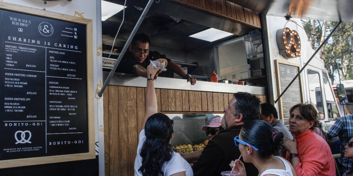 Proponen que food trucks paguen 6 mil pesos al año para operar en la CDMX
