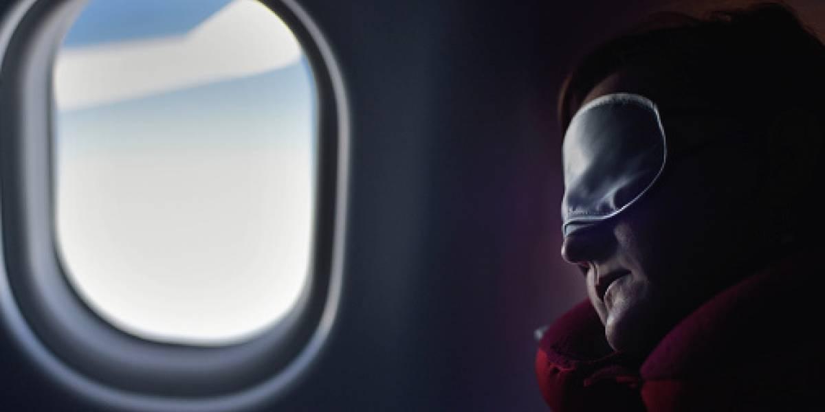 Mujer se quedó encerrada en avión tras quedarse dormida durante el vuelo