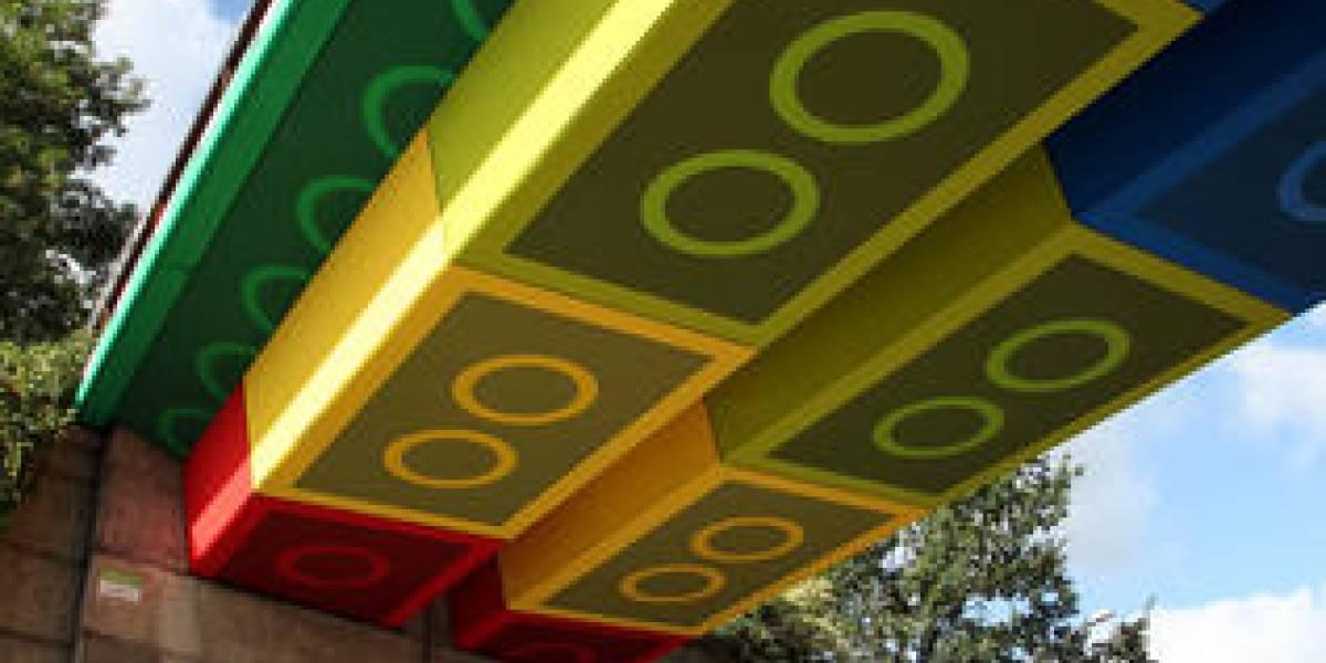 Este puente parece un enorme Lego
