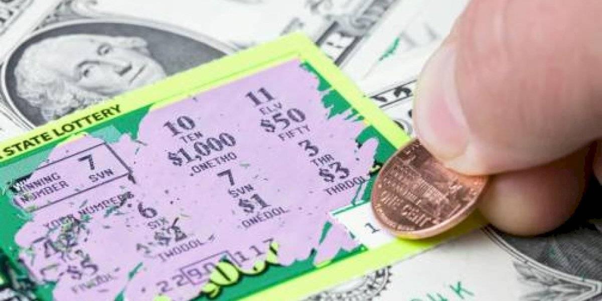 Hombre gana la lotería pero debe compartir el premio con su exesposa