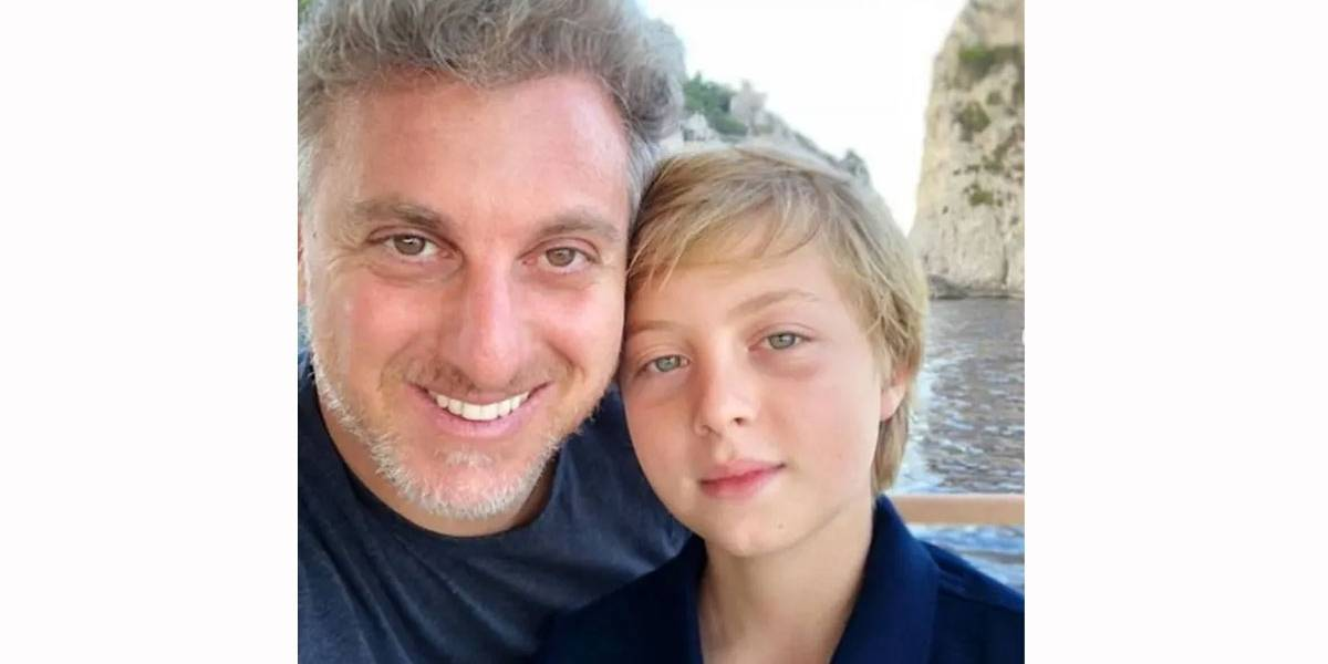 Filho de Luciano Huck volta a praticar wakeboard após acidente