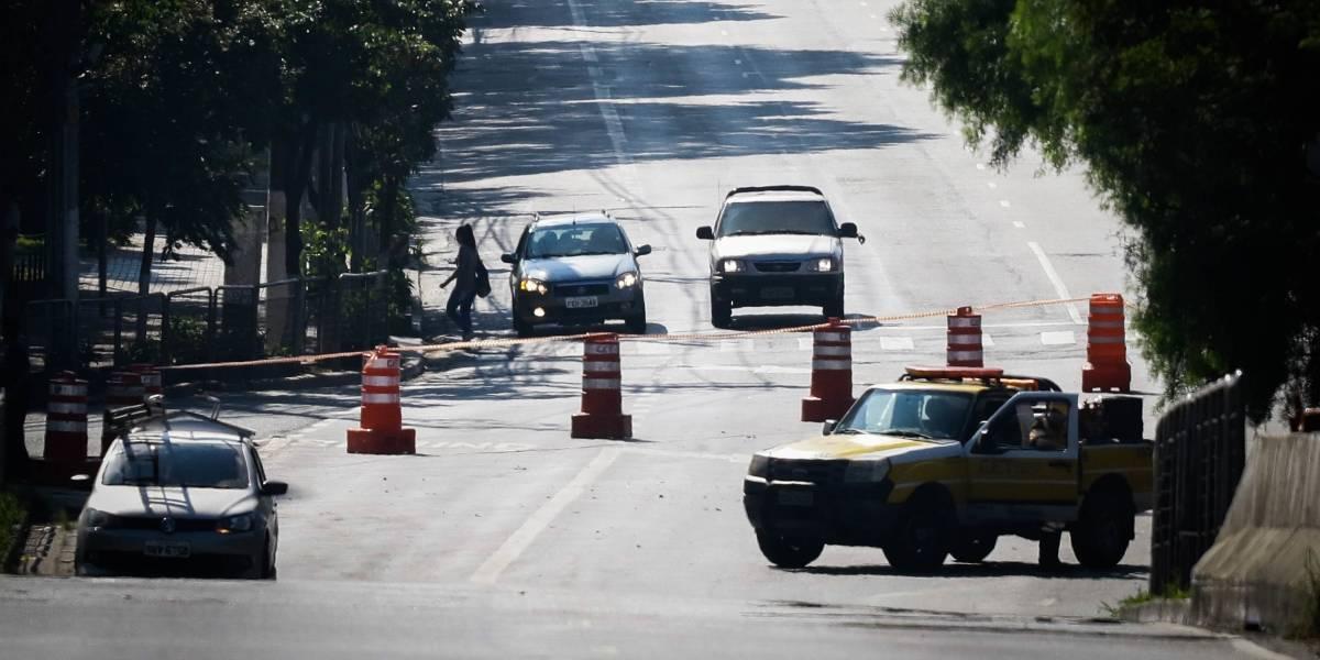 Ponte do Jaguaré amanhece fechada após incêndio