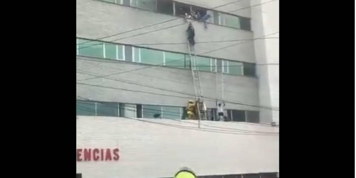 El desesperado escape de pacientes en clínica incendiada en Barranquilla