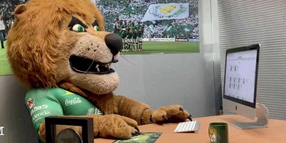 VIDEO: León presenta a su nuevo refuerzo al estilo 'Godín de oficina'