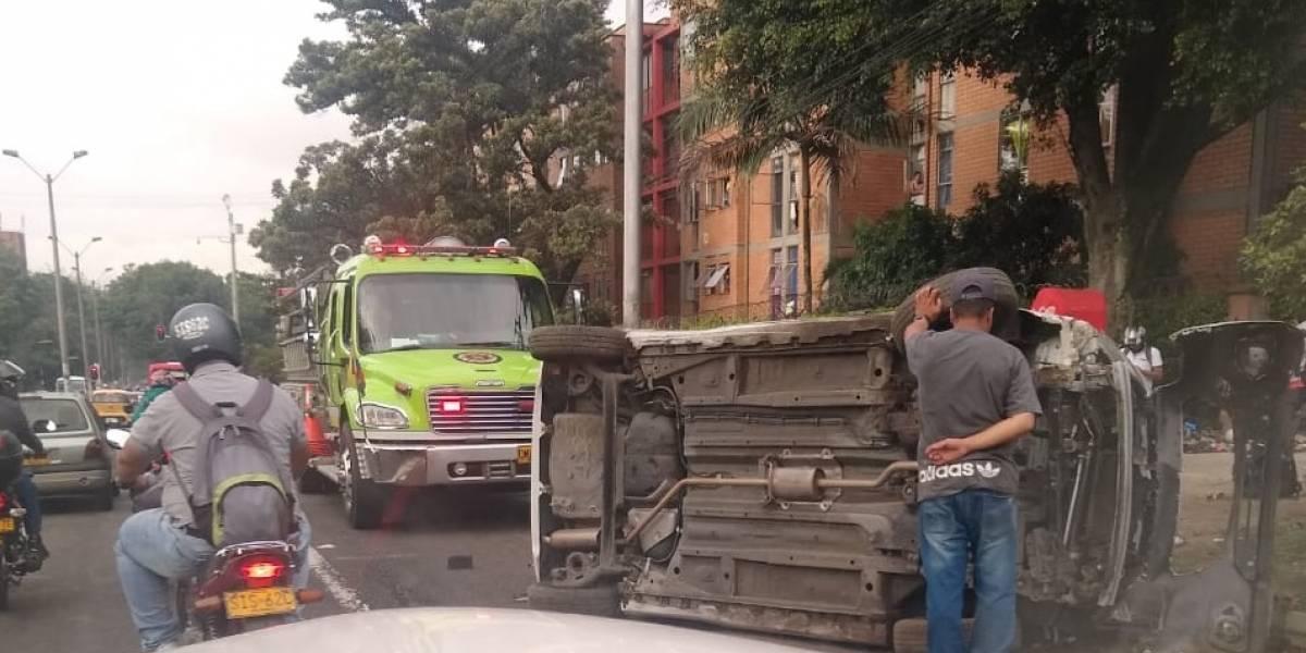 Grave accidente se registró en Robledo y dejó tres personas heridas