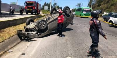 Accidente en la Simón Bolívar, norte de Quito este 25 de junio 2019