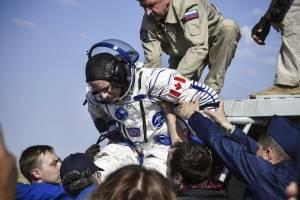 Regreso de astronautas a la Tierra