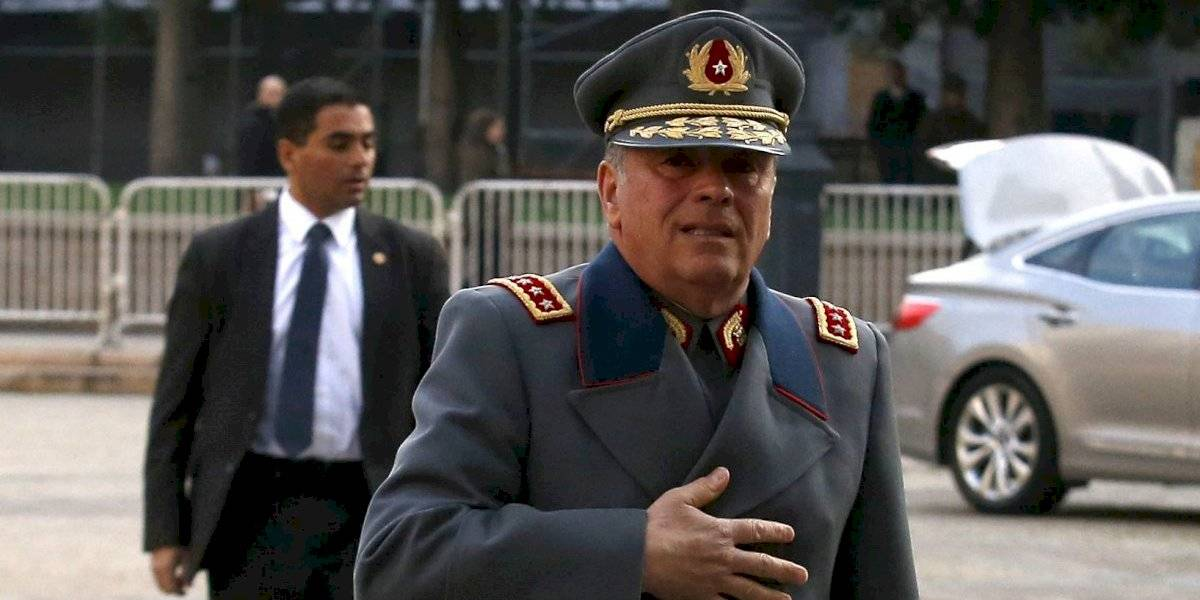 Detienen a ex comandante en Jefe del Ejército por caso fraude