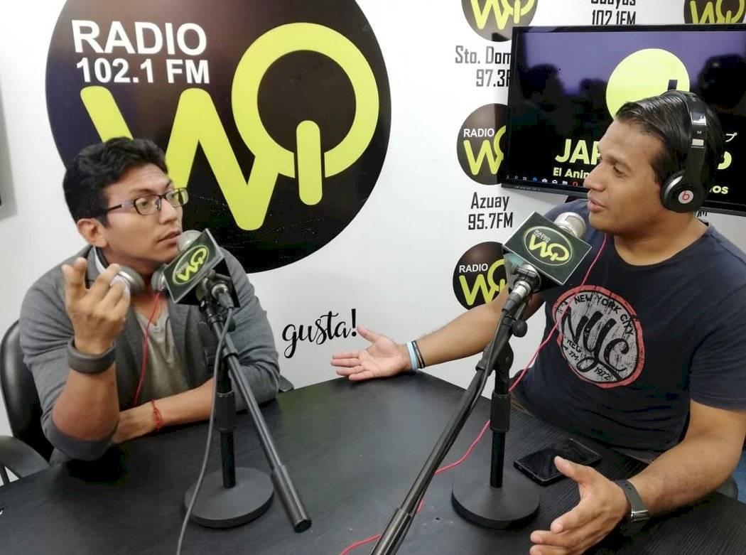 Carlos Oyola en su programa radial