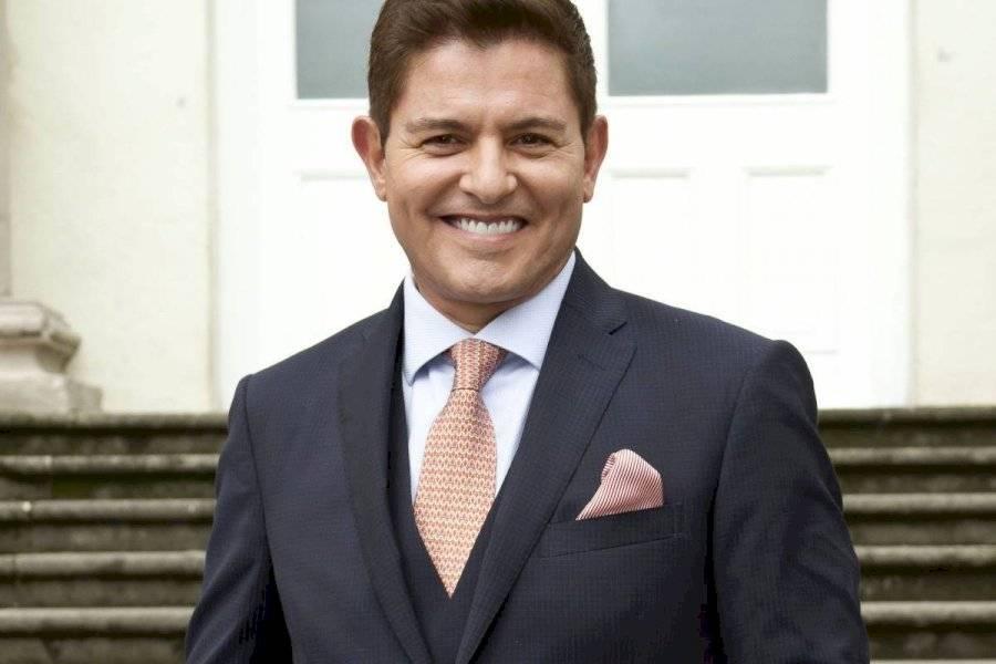 Irreconocible Ernesto Laguardia Se Transforma En Mujer De