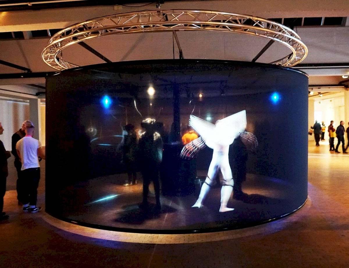 FILE Das Totale Tanz Theater | Interactive Media Foundation & Artificial Rome | Alemanha