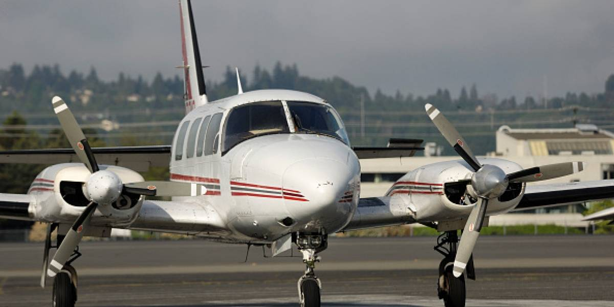 Piloto se queda dormido durante el vuelo y en pleno descenso para aterrizar: el avión sobrevoló por los alrededores por largos minutos