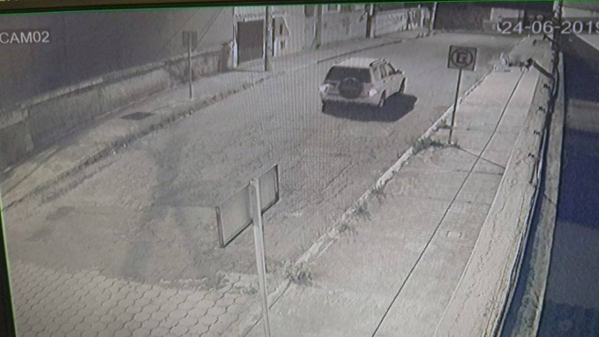 Imágenes del robo de bicicletas en el Pinar Bajo Cortesía