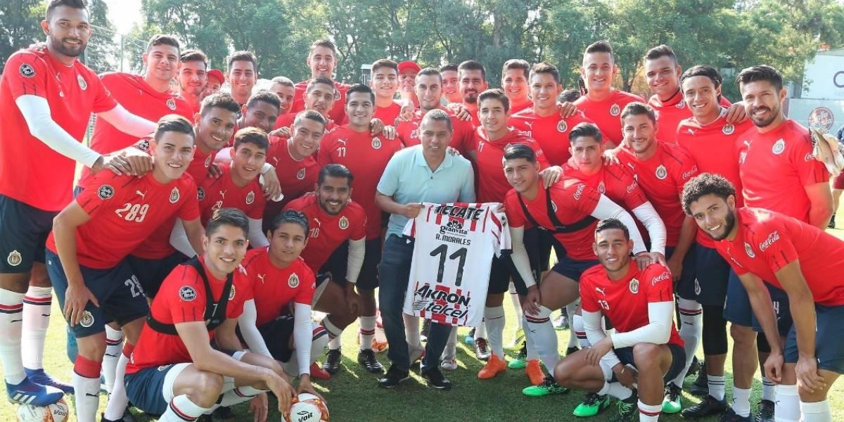 Ramón Morales sorprende en entrenamiento de Chivas
