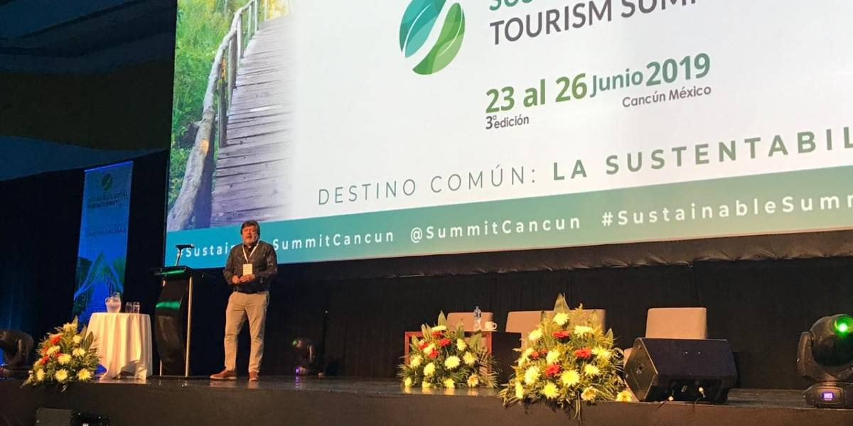 Presumen Tren Maya en Cumbre de Turismo Sustentable