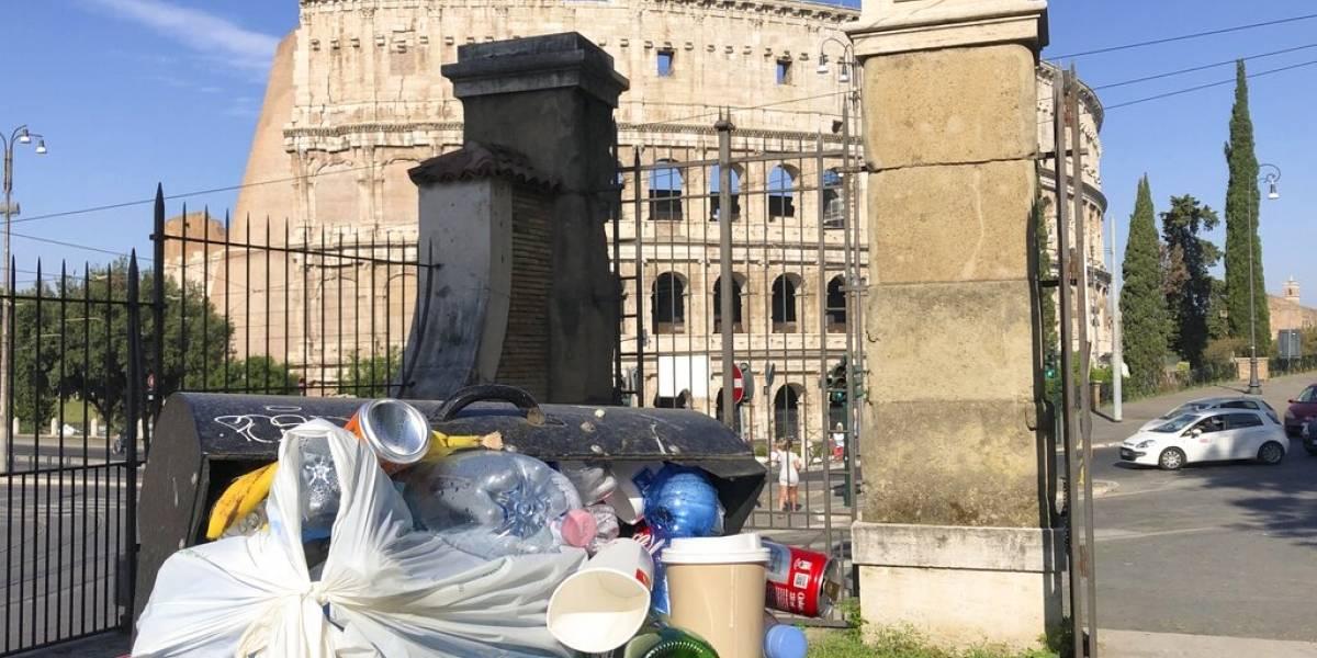 Médicos alertan de peligro por acumulación de basura en Roma