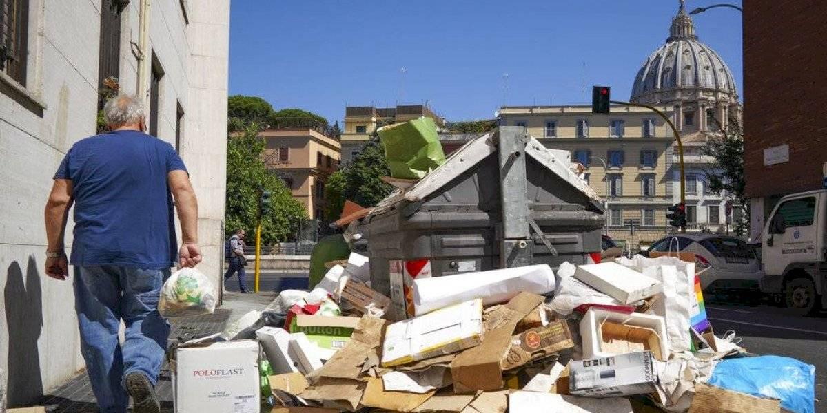 Alertan de peligro por acumulación de basura en Roma