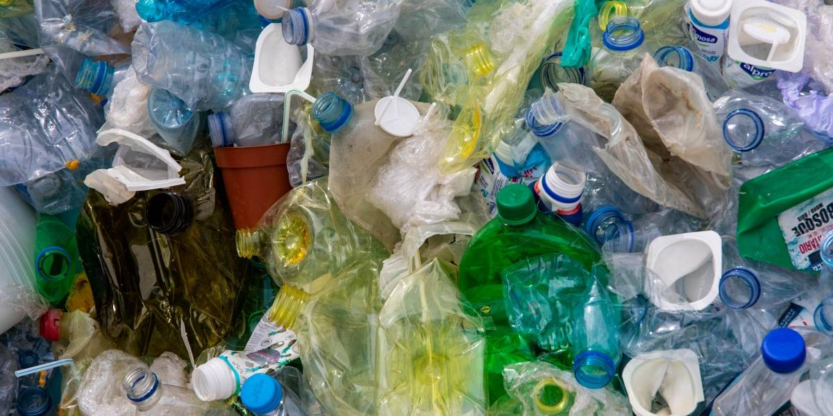 Guayaquil: Se podrá intercambiar botellas plásticas por pasajes en la Metrovía
