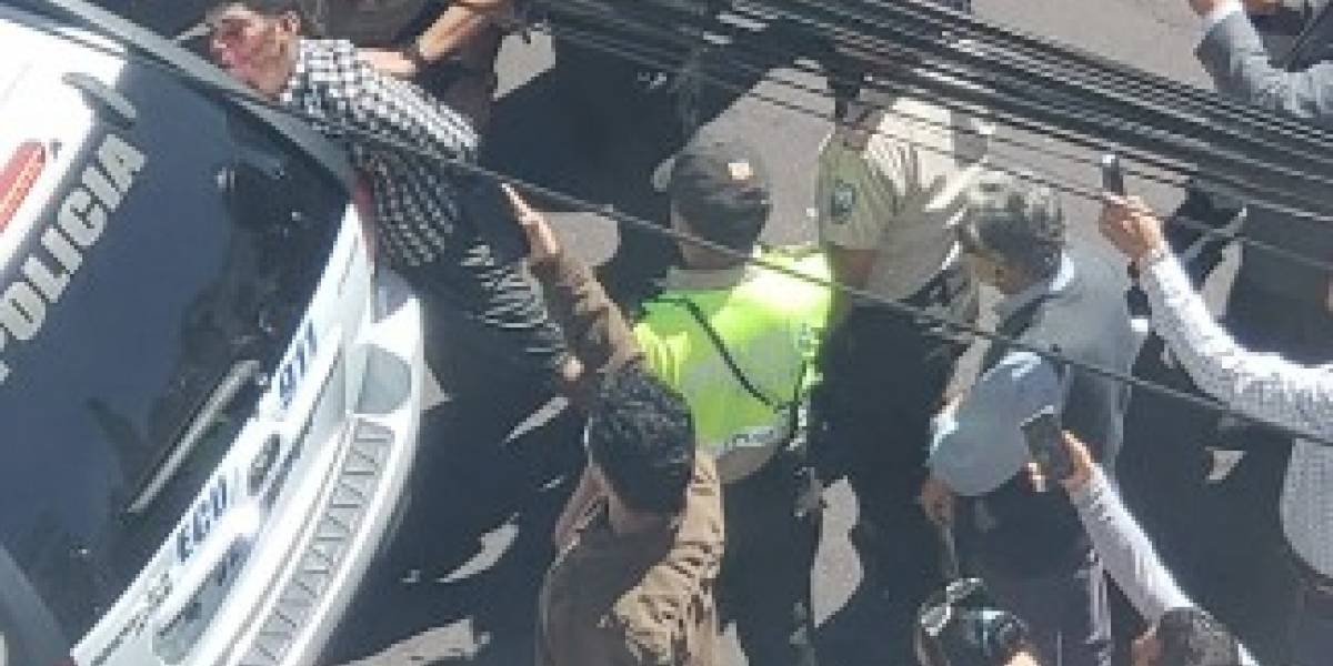 Hombre fue golpeado por intento de robo a local en Quito