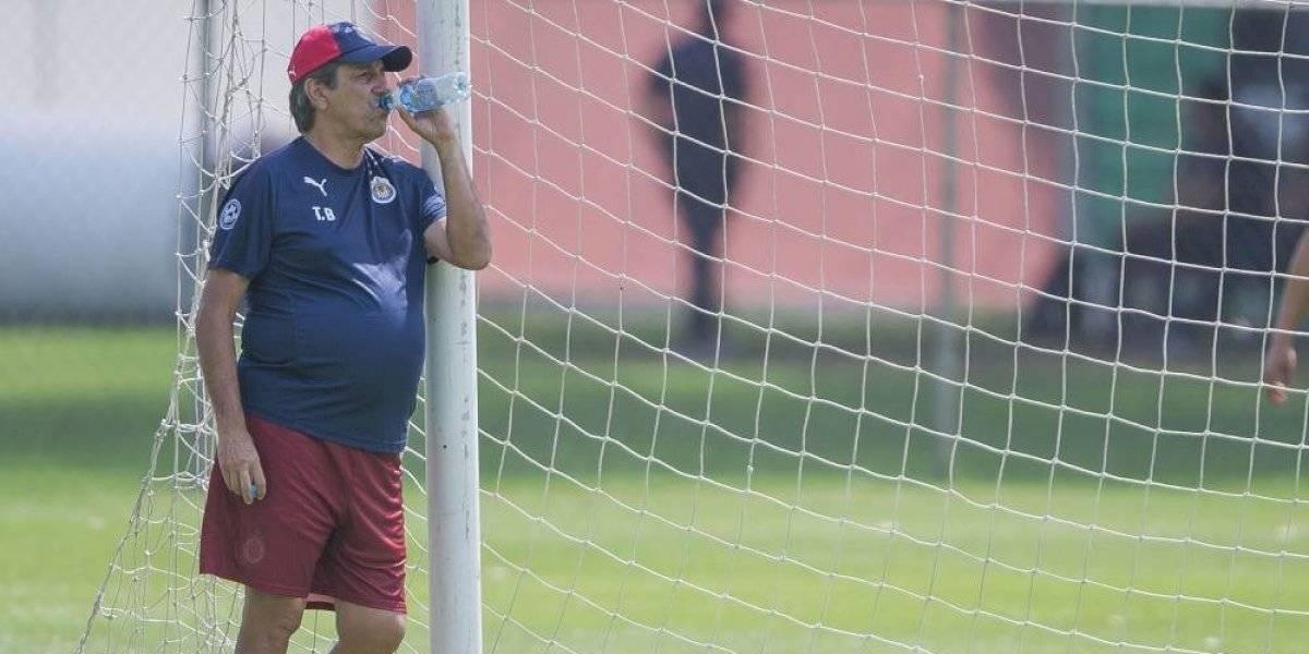 Chivas dará prioridad a la Liga por encima del Benfica