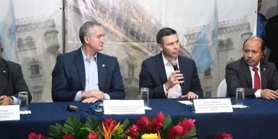 reunión de ministro de Gobernación, Enrique Degenhart, y secretario de Seguridad de EE. UU., Kevin McAleenan