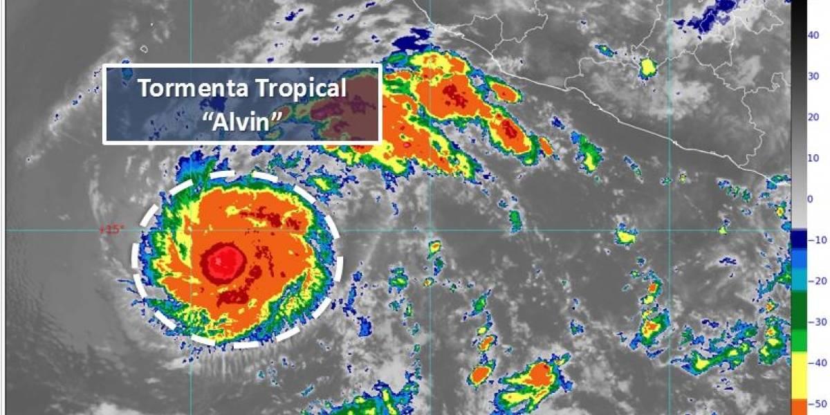 Se forma 'Alvin', primera tormenta tropical en el océano Pacífico