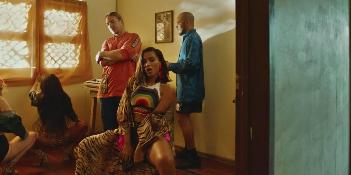Anitta e Major Lazer comandam festão em clipe de 'Make It Hot'; assista
