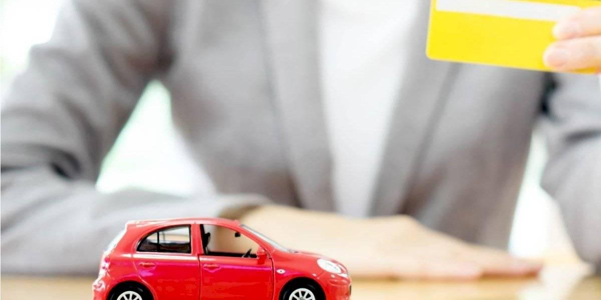 ¿Cómo evitar la estafa en una compraventa de un auto usado?