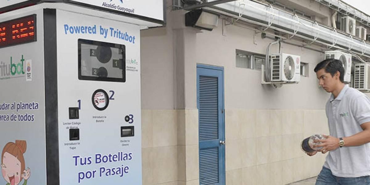Guayaquil: inaguran máquina de reciclaje que intercambiará botellas plásticas por pasajes en la Metrovía
