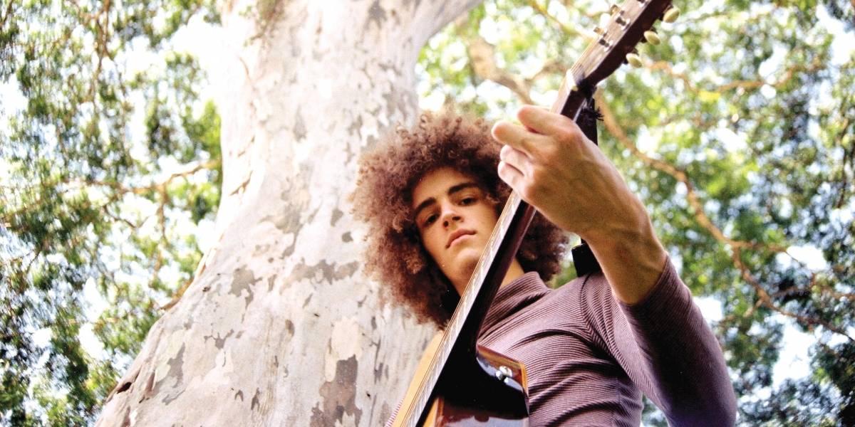 Chico Bernardes se lança na música com disco folk cheio de maturidade