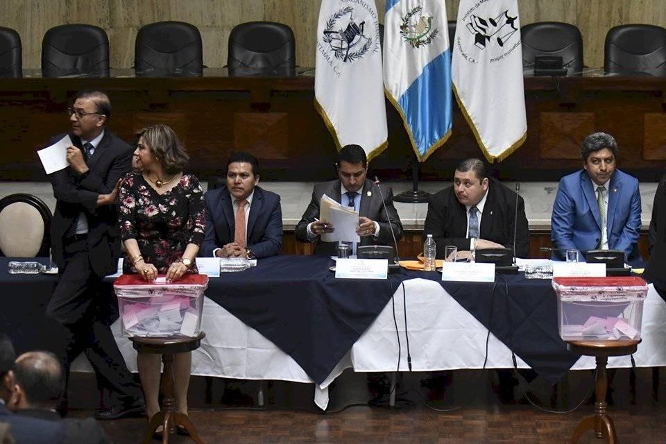 Magistrados votan para elegir representantes ante la comisión de postulación para CSJ. Foto: Omar Solís