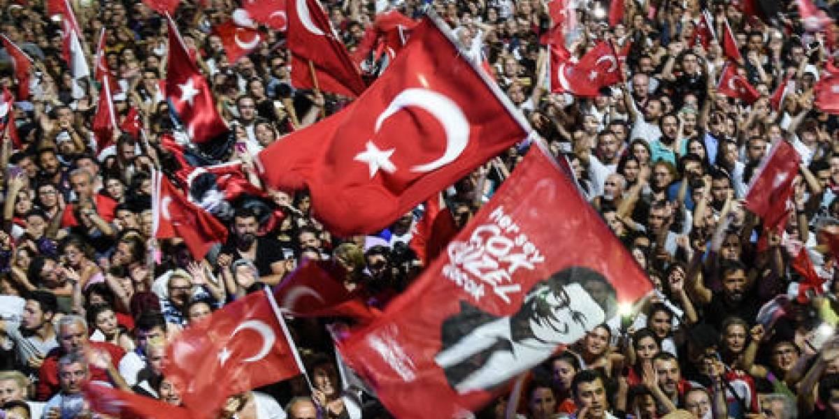 """Experto: """"La democracia sigue viva en Turquía"""""""