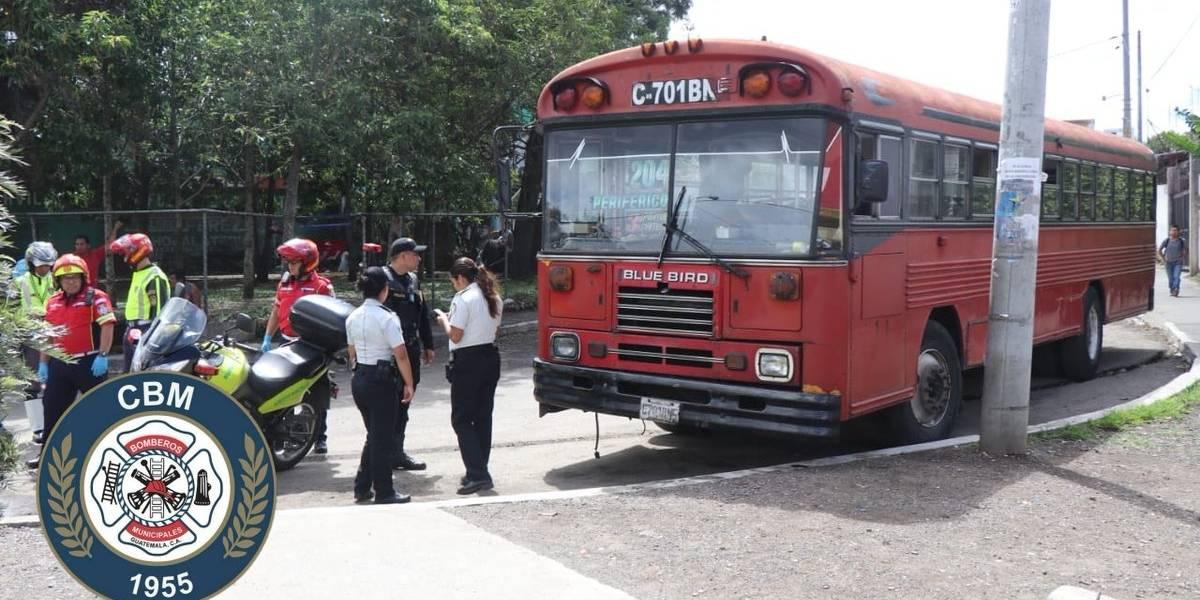 Presunto extorsionista muere dentro de autobús en zona 12