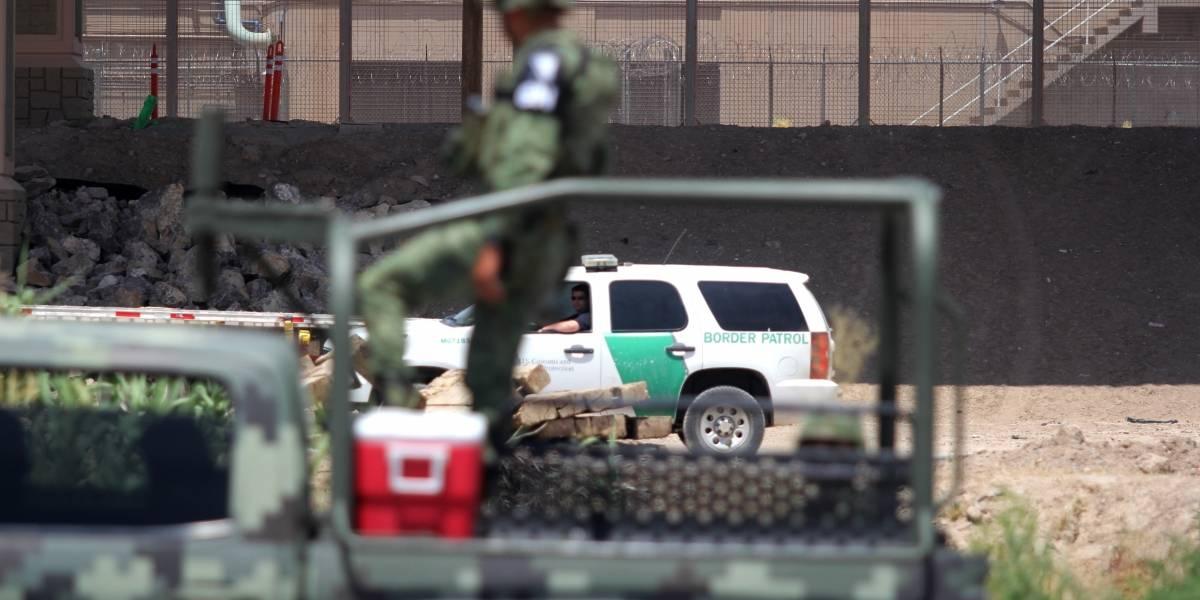 Arrestan a dos traficantes por trasladar migrantes en Puebla