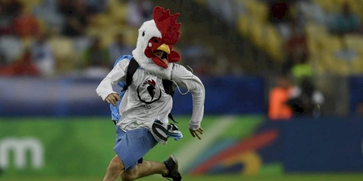 """VIDEO. Habló el """"hombre pollo"""", que invadió una cancha en la Copa América"""