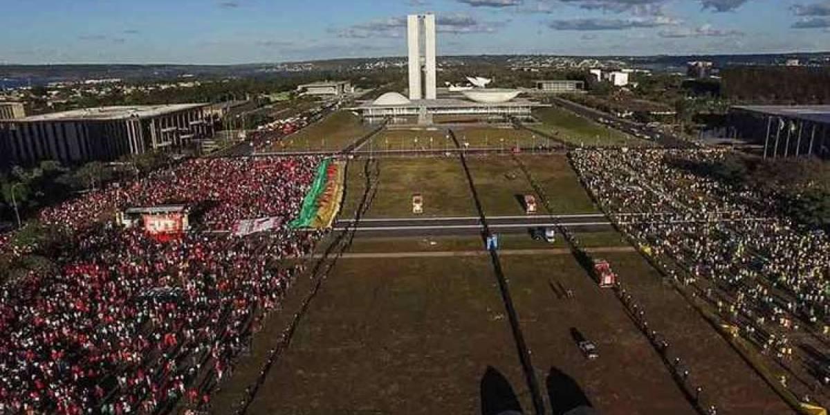 Jornal americano destaca 'Democracia em Vertigem' em lista de melhores do ano