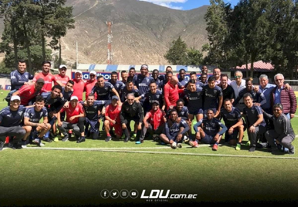 Así recibieron jugadores y dirigentes de Liga de Quito a Antonio Valencia