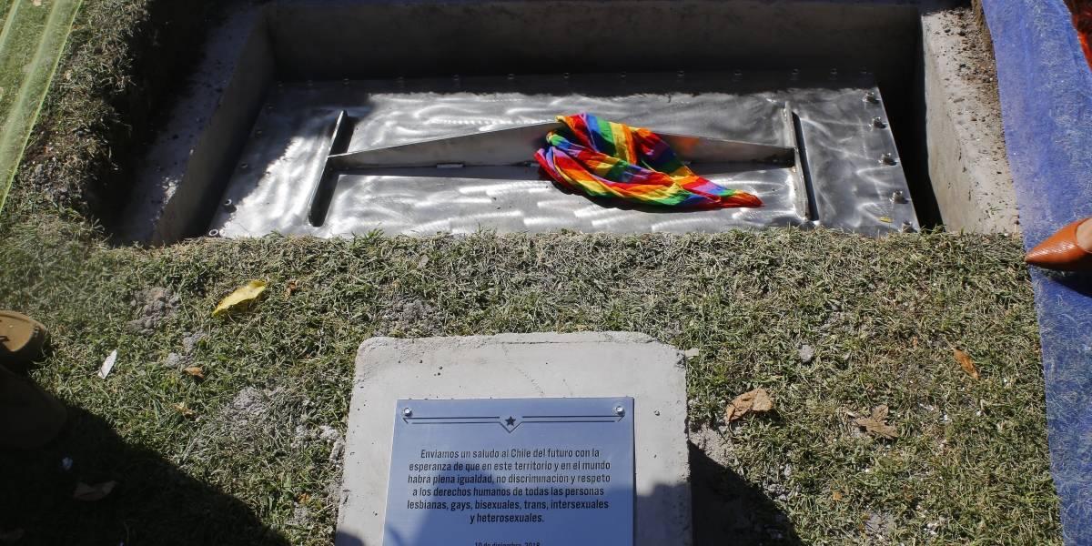 Movilh: Repondrán monumento Lgbti y lanzarán política de atención a la diversidad
