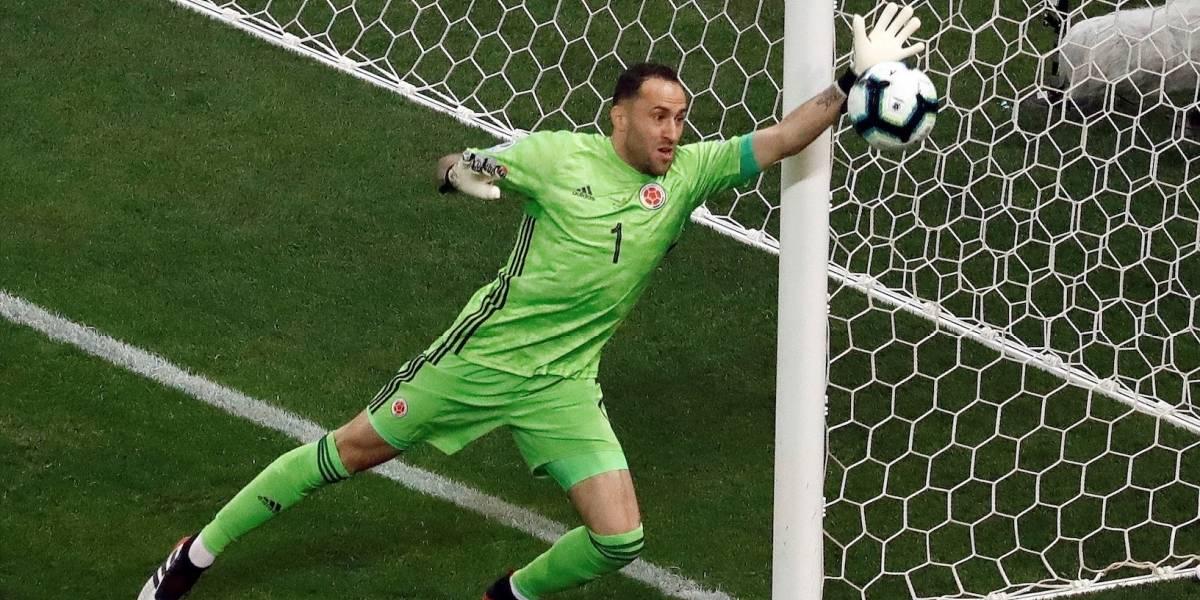 ¡A pesar de que no valió! Llueven elogios para David Ospina tras espectacular doble atajada contra Chile