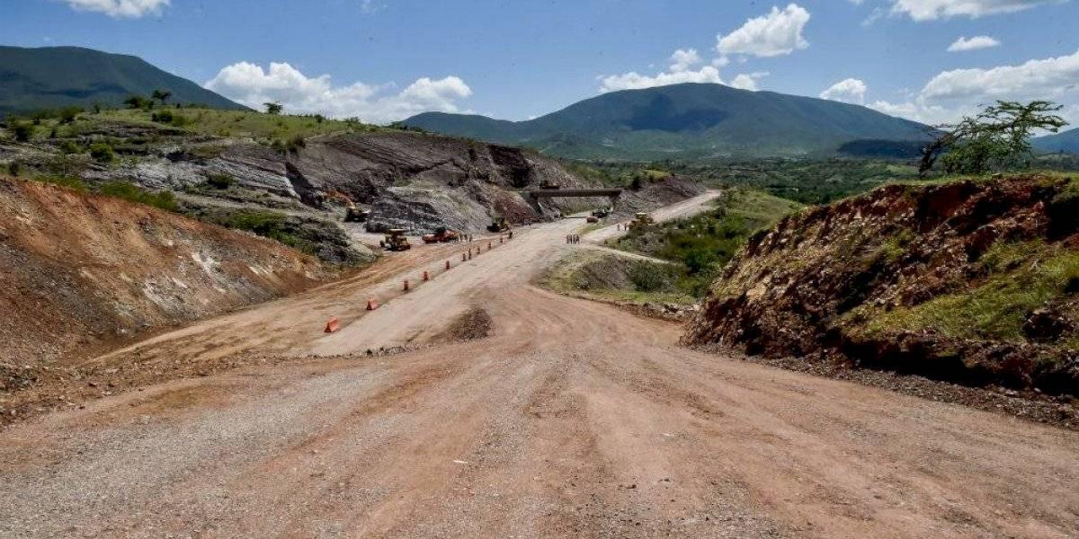 Autopista Oaxaca-Puerto Escondido estará terminada en 2022: AMLO