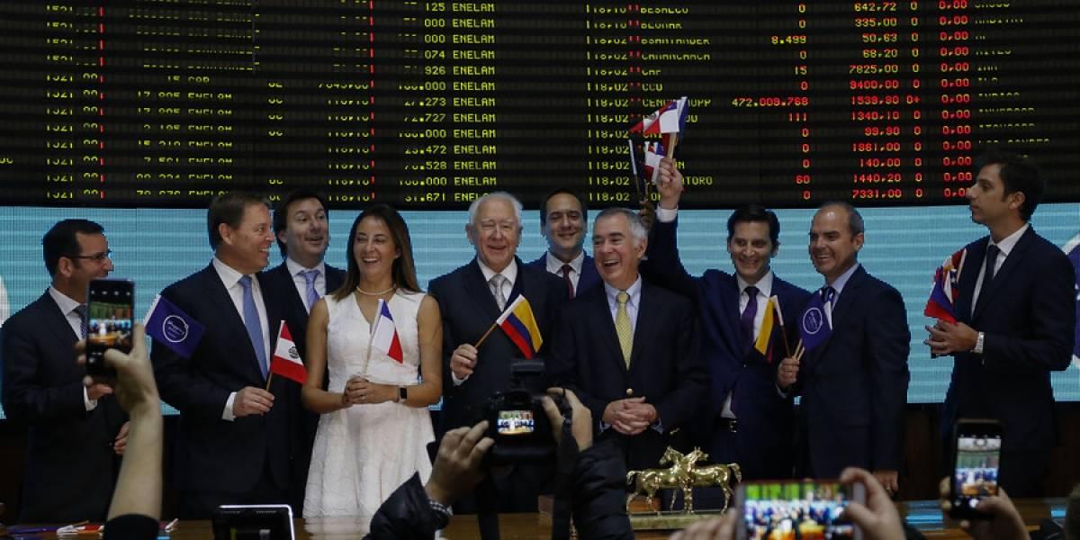 """AFPs se quedan con el 58% de las acciones: Cencosud protagoniza """"elefantiástica"""" salida a Bolsa, la mayor de la historia"""