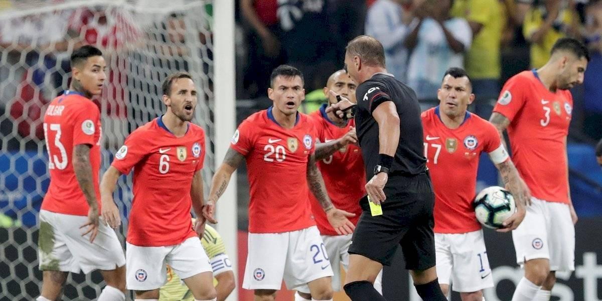 FOTO. La jugada más polémica del Colombia - Chile