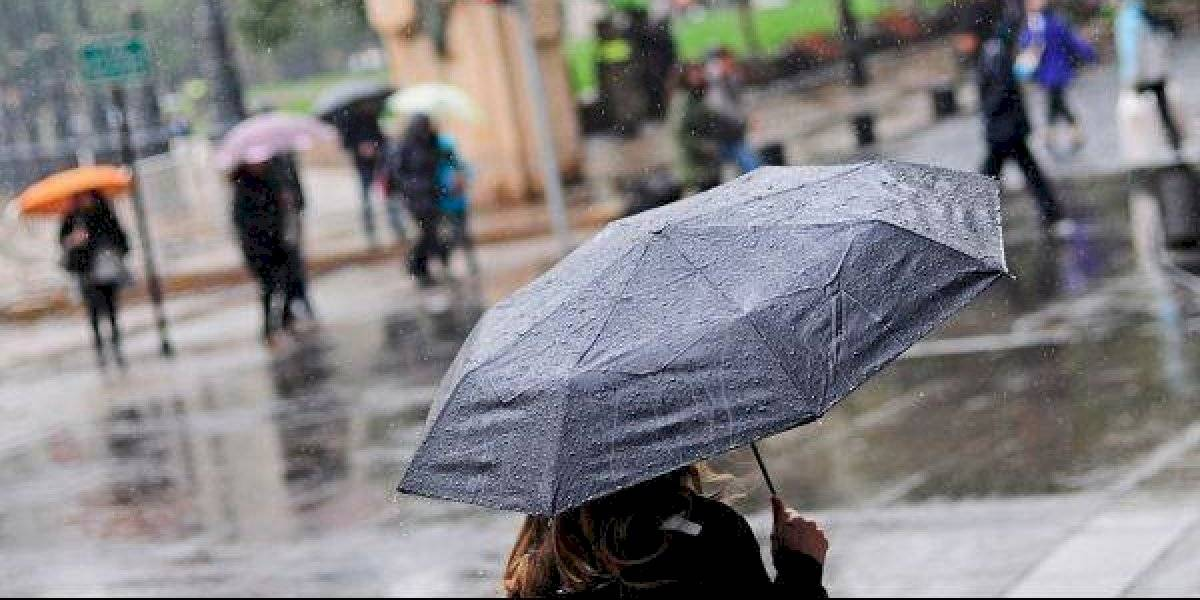 A preparar sopaipillas: meteorología pronostica precipitaciones para este lunes en la capital