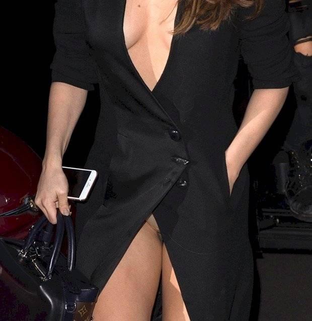 Selena Gomez enseña de más